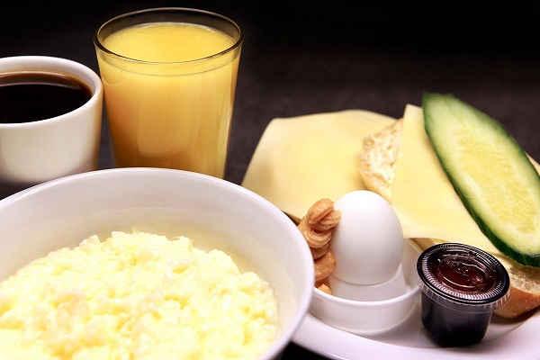 Med en bred meny och mer än en de vanliga smörgåsalternativen har Tintin blivit känt för sina frukostar. På gröt eller rejält med ägg står man sig!